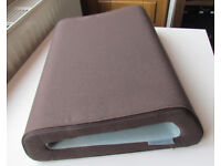 """Belkin Cushtop laptop cushion rest for laptops up to 17in, """"chocolate and tourmaline"""" colour"""