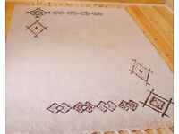 Beautiful, Hand Made, Vintage, Morrocan Rug. 240 x 174. Wool. Ivory with natural Hennah Pattern.