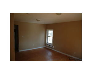 2 Bedroom Unit - 5 minutes from Downtown London Ontario image 8