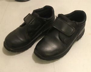 Kids size 11 1/2 dress shoes.
