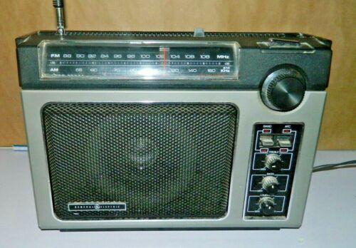 Vintage GE Superadio 7-2880B AM FM Radio ac/dc General Electric *EXCELLENT SHAPE