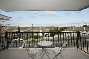 Share Awesome 4 bedroom townhouse overlooking the river in Ascot Vale