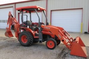 2013 Kubota B26 BackHoe and Loader Tractor with 4x4