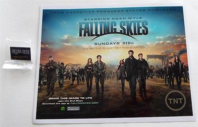 SDCC 2013 Comic-Con Exclusive FALLING SKIES Press Photo Plus Pin Back Button