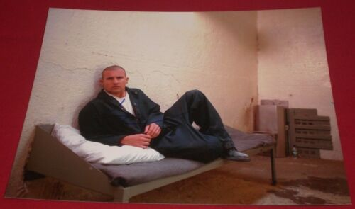 DOMINIC PURCELL SIGNED PRISON BREAK RARE IN CELL STILL 8X10 PHOTO AUTOGRAPH COA