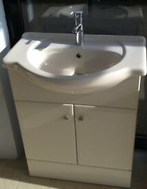 Bathroom sink unit
