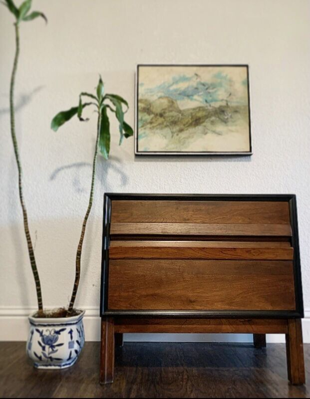 VINTAGE MID CENTURY MODERN NIGHTSTAND/CHEST/END-SIDE TABLE!! HIGH-END AND SOLID!