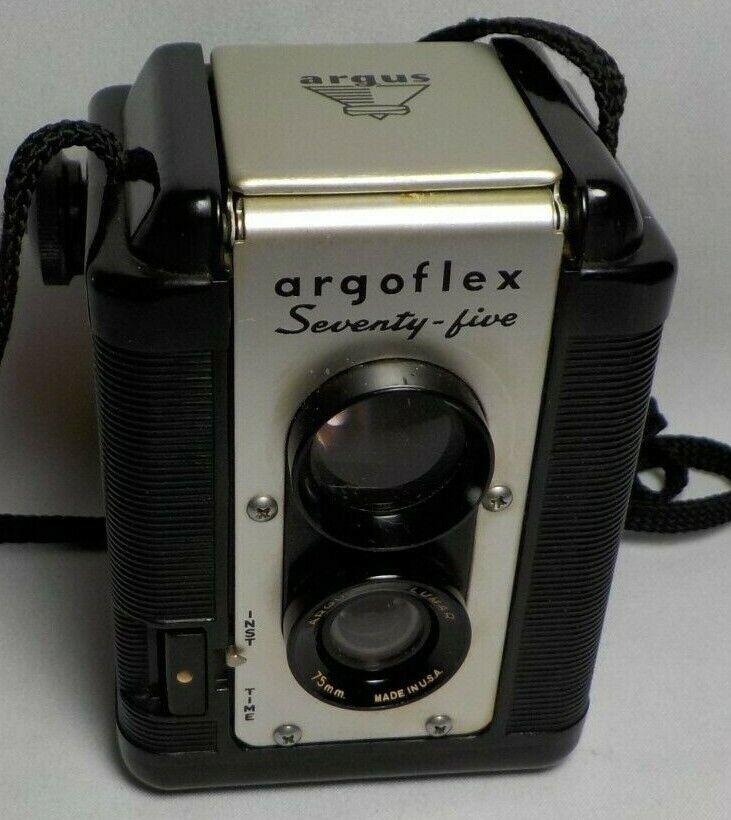 Used Vintage ARGUS ARGOFLEX SEVENTY FIVE Box Camera W/Argus Lumar 75mm Lens - $15.87