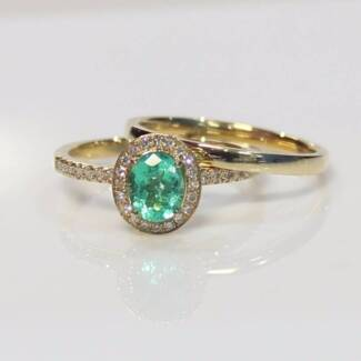 Colombian emerald diamond ring and band 18k gold