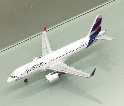 Gemini Jets 1 400 Latam Airbus A320 200 Sharklets Pt Tmn Miniature Model