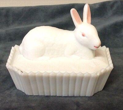 Vintage Westmoreland White Milk Glass Bunny Rabbit Picket Fence Covered Dish