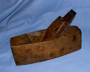 ANTIQUE HAND-CRAFTED WOOD BLOCK PLANE WITH HARGRAEVES, SMITH AND CO BLADES