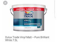 Dulux trade vinyl matt white paint