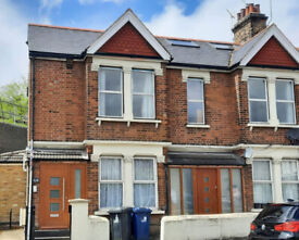 Three bedroom flat close to transport and the High Road