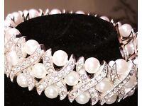 Pearl and Diamonte Bracelet