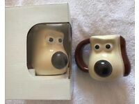 Wallace and Grommet mugs.... Unused and perfect condition