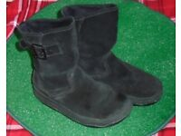 Women's boots UK size 6 black 'fitflop'
