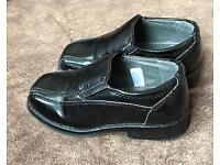 Boys dress shoes (UK size 6)