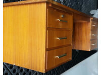 WOOD 6 DRAWER DESK - USED CONDITION - BUYER COLLECTS CAMBRIDGE