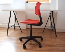 Table desk with Swivel chair