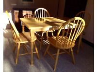 SOLID HARDWOOD TABLE WITH 4 CHAIRS. BEAUTIFUL CONDITION