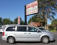 2012 Chrysler Town & Country Touring *SUNROOF!*