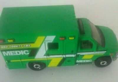 Matchbox 2015 FORD E-350 AMBULANCE Green Loose Toy (2009)