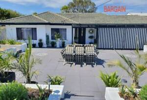 **SOUTH OF PERTH**LOVELY LOCATION**PRESTON BEACH HOUSE**