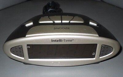 Intelli-Time Digital Alarm Clock 13027 USED