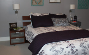 Full bedroom set (without mattress)