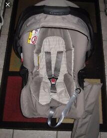 Graco car seat and isofix base