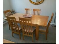 SOLID OAK EXTENDABLE TABLE AND 6 CHAIRS