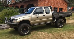 2004 Toyota Hilux Extra-Cab Heybridge Central Coast Preview