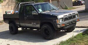 1993 Nissan D21 pick-up 4x4  6cyl.