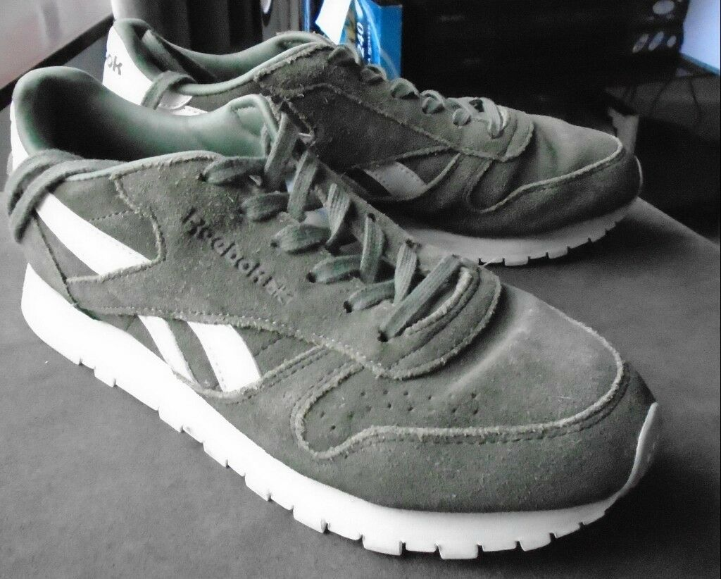 feb092abfc44 Ladies Olive Green Reebok classics trainers size 5 - as new