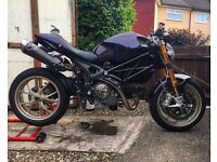 Ducati Monster 1100s 2010 Custom Ohlins Streetfighter
