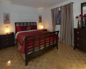 Townhouse Open Concept *FREE Satellite TV ! West Island Montreal West Island Greater Montréal image 3