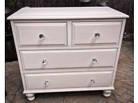 BEAUTIFUL HAND MADE CHEST OF DRAWERS WITH DOVETAIL JOINTS