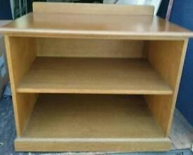 Bookshelf media stand