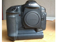 Canon 1D mark II N - body only