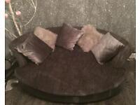 Cuddle chair / mini sofa