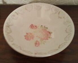 Vintage Swinnertons (Staffordshire) Luxor Vellum bowl - Pink Roses.