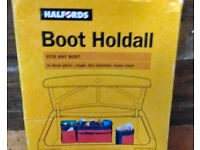 HALFORDS CAR HOLDALL AND EMERGENCY FOLD-UP SPOTLIGHT