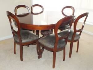 Antique style dining table and 6 chairs set