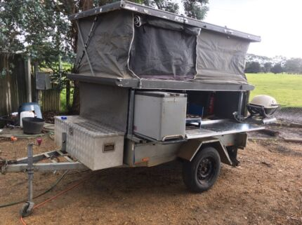 Camp trailer roof topper