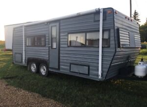 * REDUCED* Renovated 1976 22' Prowler