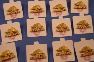 Arkansas Razorbacks Lapel Pins - LOT OF 4 ARKANSAS RAZORBACKS GOLD LAPEL PINS NCAA College Football pinback