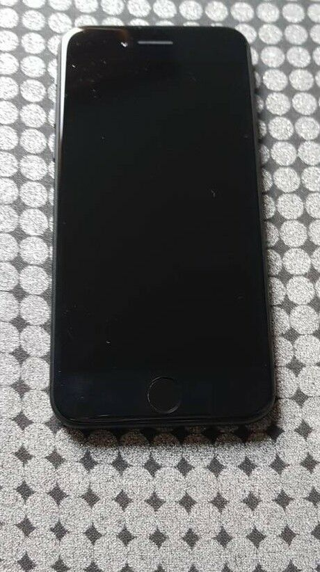 IPHONE 7 32GB 02/giffgaff BOXED 340