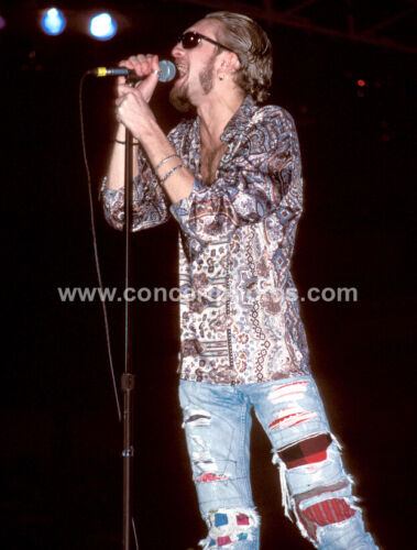Layne Staley - Alice In Chains - 8 x 10 Photo (New)