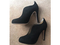 Cleo B Black Suede Court Shoes - Size 4